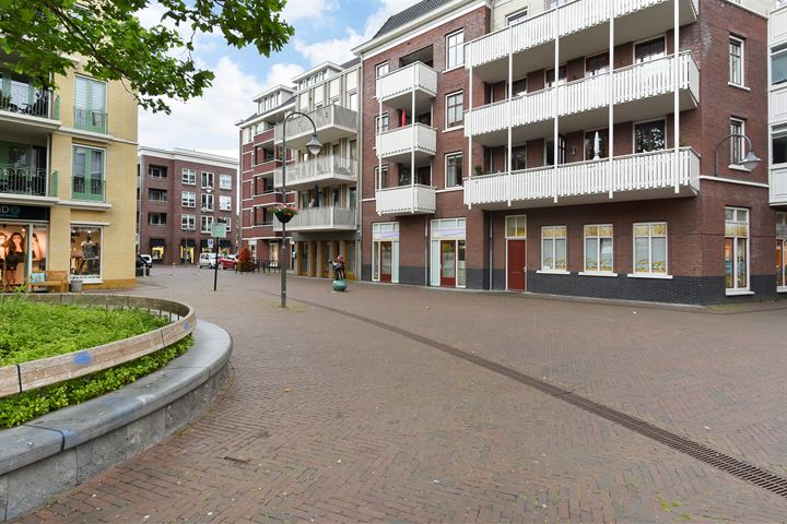 Damstraat 35