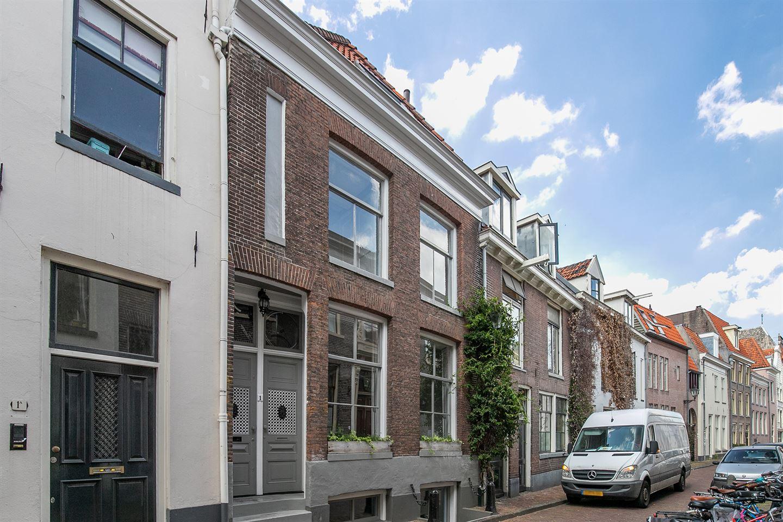 Bekijk foto 2 van Walstraat 1