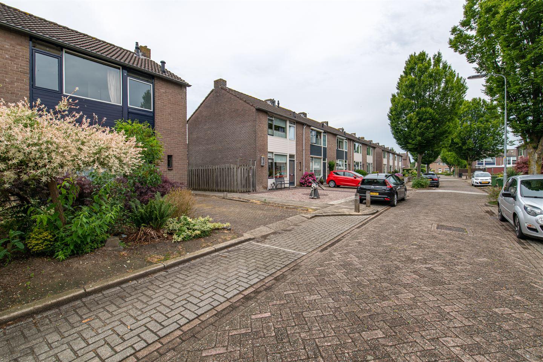 Bekijk foto 2 van Maria van Oranjestraat 20