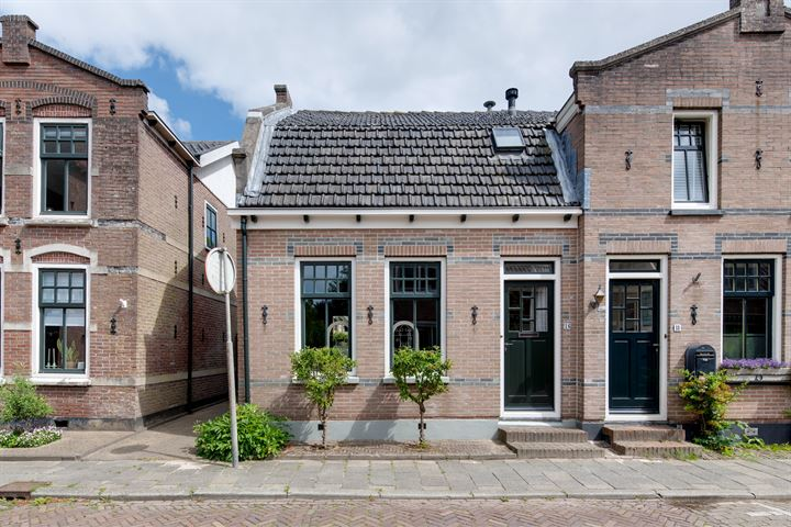 Leeghwaterstraat 16