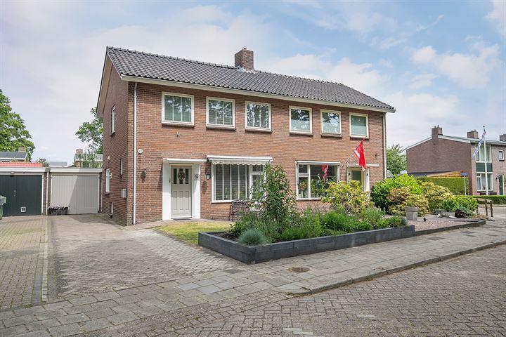 Van Helsdingenstraat 17