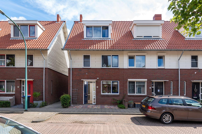 Bekijk foto 1 van Fop Smitstraat 63