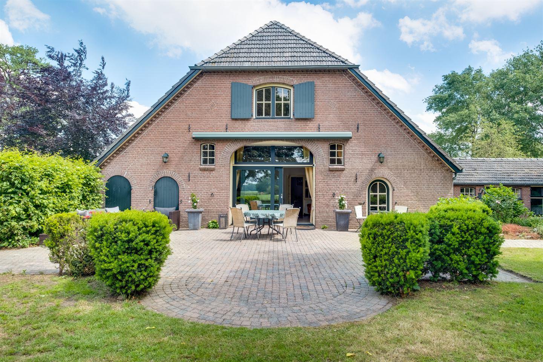 View photo 2 of Nettelhorsterweg 10