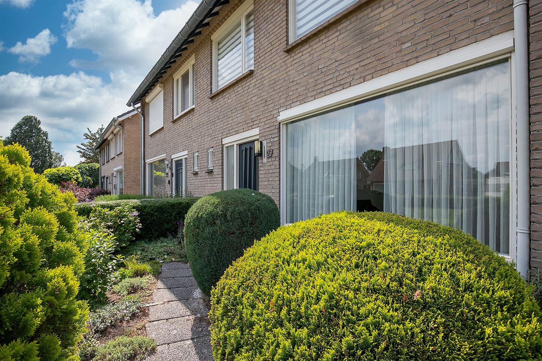 Bekijk foto 3 van Willem van Oranjelaan 27