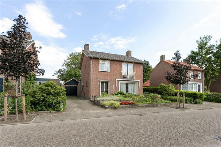 Van der Lindenstraat 12