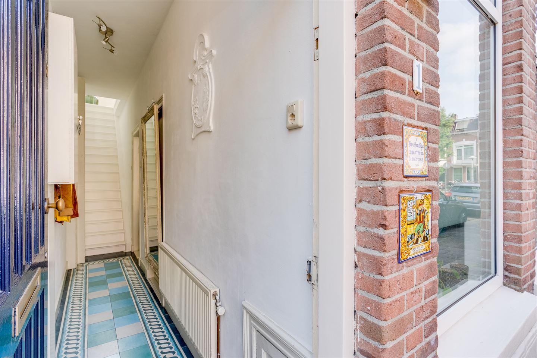 Bekijk foto 3 van Van Limburg Brouwerstraat 1