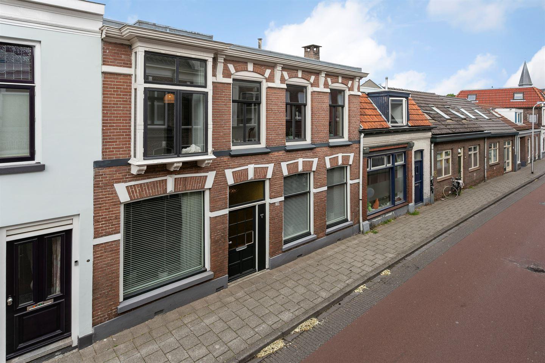 Bekijk foto 2 van Van Karnebeekstraat 70