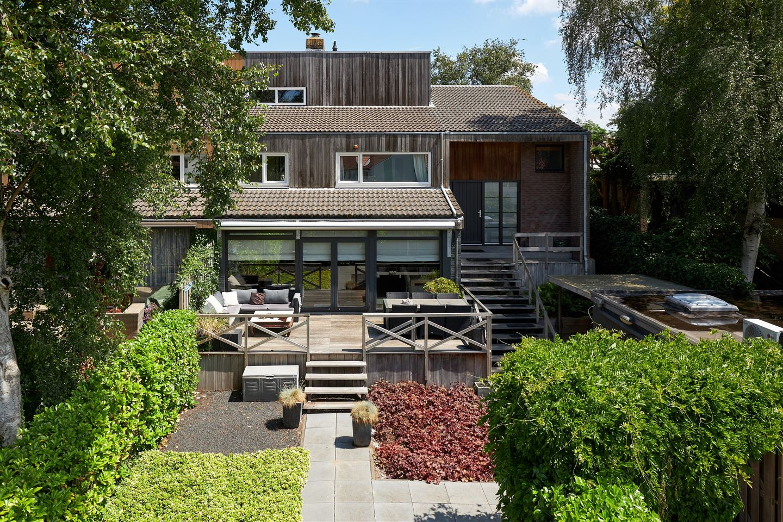 Bekijk foto 1 van Burgemeester Vostersstraat 44
