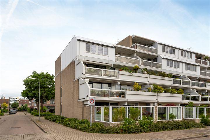 Hermanus M H Coenradistraat 79