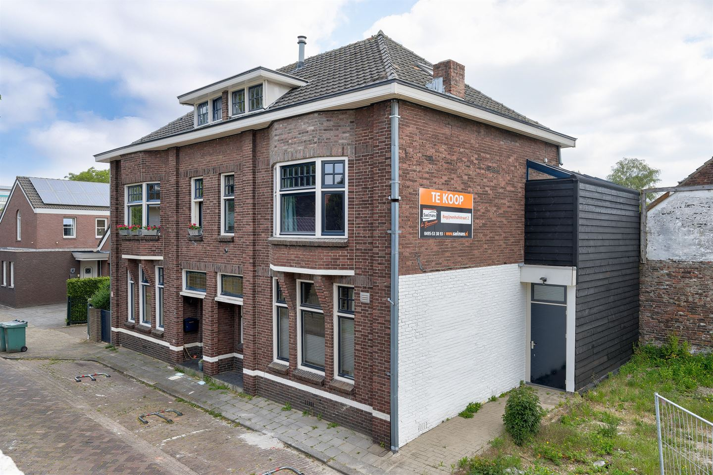 Bekijk foto 1 van Begijnenhofstraat 2