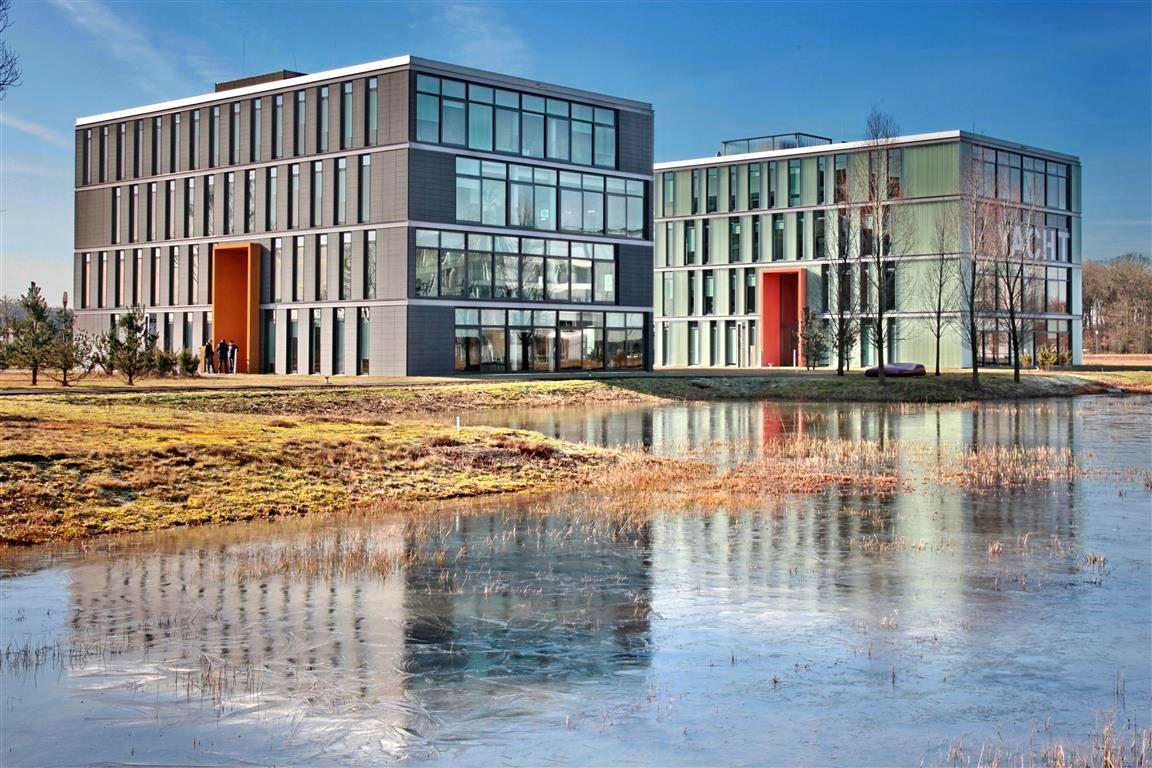 Bekijk foto 1 van High Tech Campus