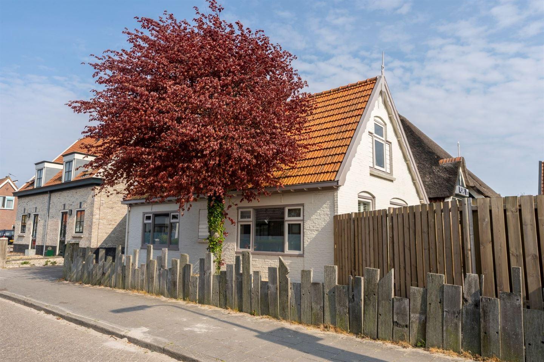 Bekijk foto 1 van Burgerhoutstraat 13