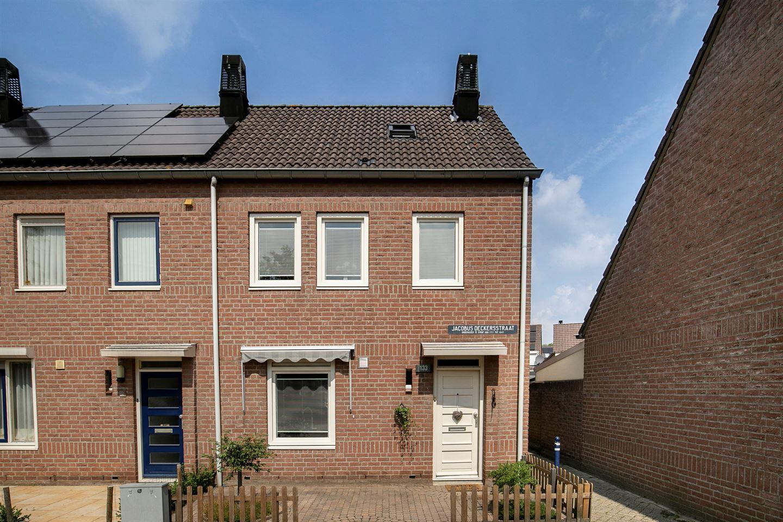 Bekijk foto 1 van Jacobus Deckersstraat 133