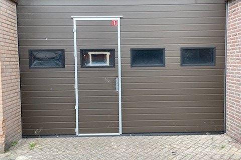 Bekijk foto 2 van Vaarselstraat 10 HALLEN
