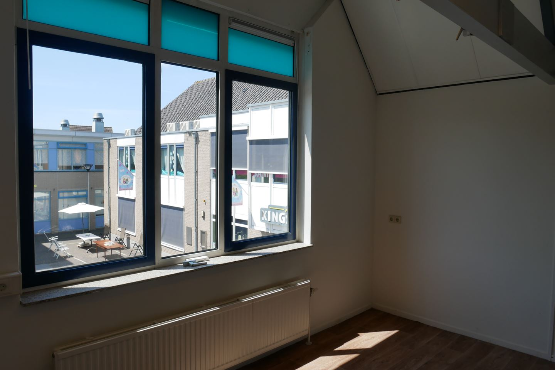 Bekijk foto 3 van Dorpsplein 3