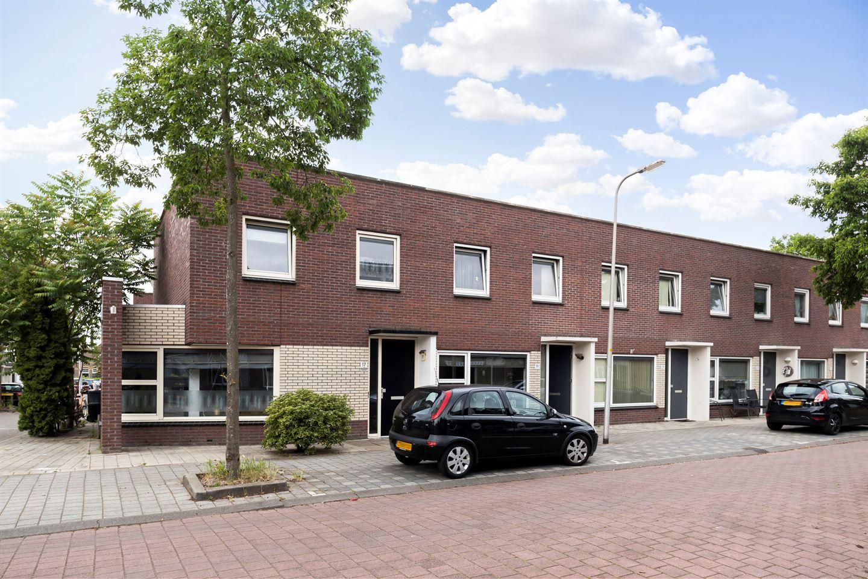Bekijk foto 1 van Burg. Van Loghemplein 17