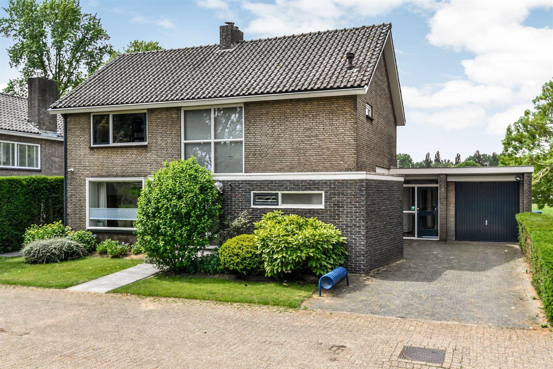 Bekijk foto 1 van Van Borselenstraat 230