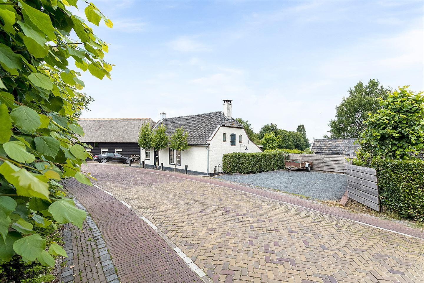 Bekijk foto 3 van Kerkdijk 36