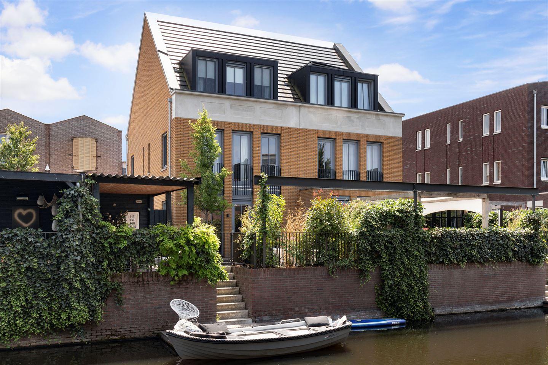 Bekijk foto 1 van Uitdamstraat 24