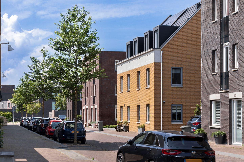 Bekijk foto 2 van Uitdamstraat 24