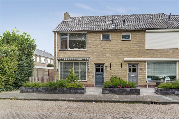 Johan van Oldenbarneveldtstraat 15