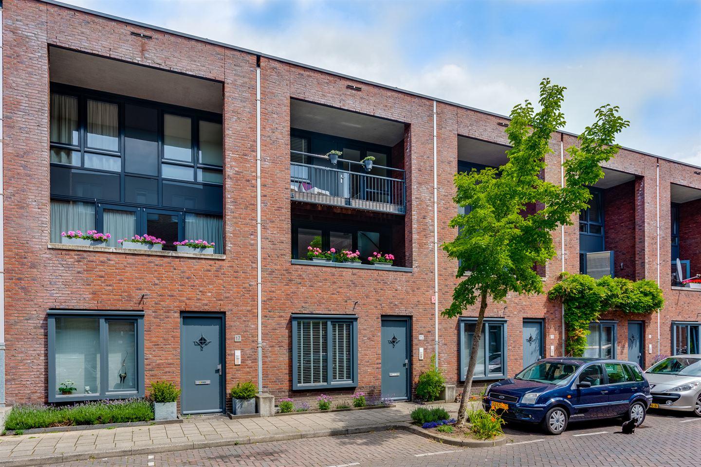 Bekijk foto 1 van Alberdingk Thijmstraat 15