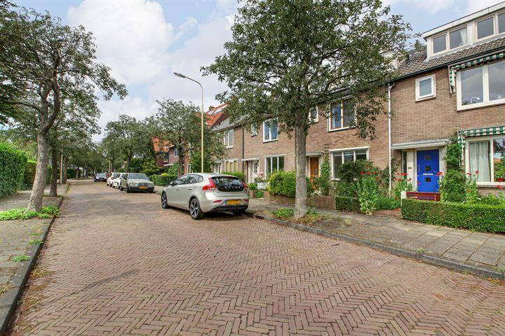 Dr. Leenaersstraat 11