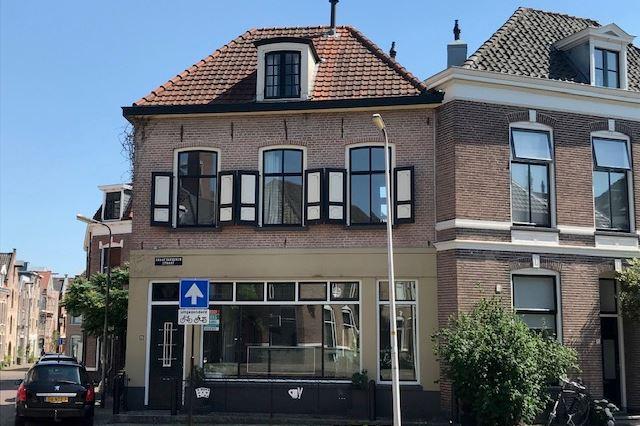 Graaf van Burenstraat 13