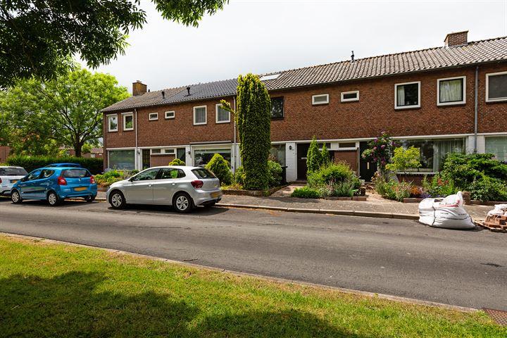 P. van Schravendijkstraat 24