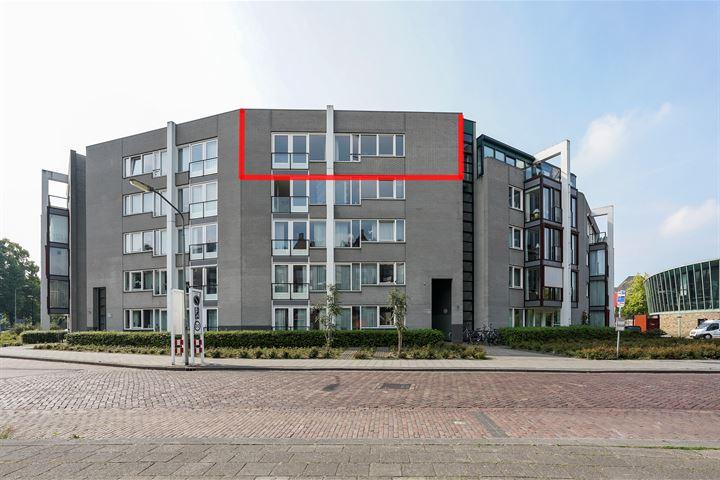 Dr.van Helvoortstraat 50