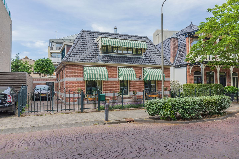 View photo 1 of Brederodestraat 4