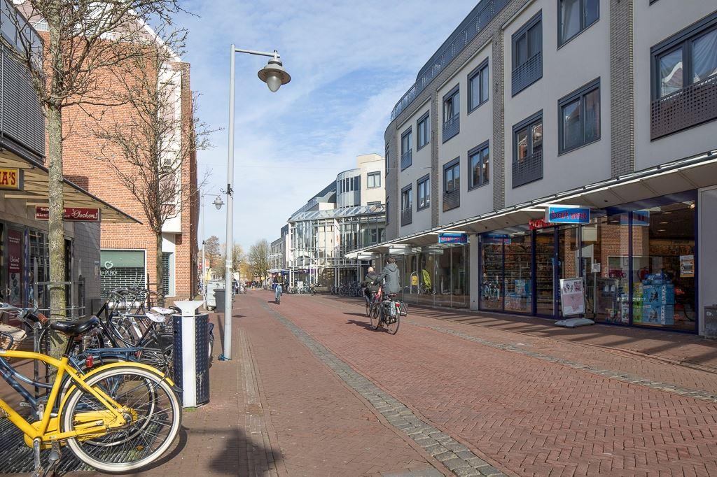 Bekijk foto 2 van Agnietenstraat 8