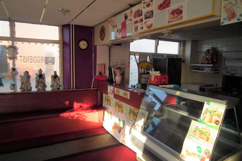 View photo 3 of Wilhelminastraat 75