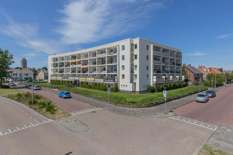 Bekijk foto 2 van Cort van der Lindenstraat 2 F21