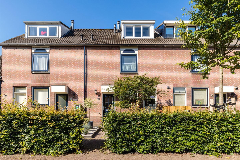 Bekijk foto 1 van Burgemeester Hoekstrastraat 12
