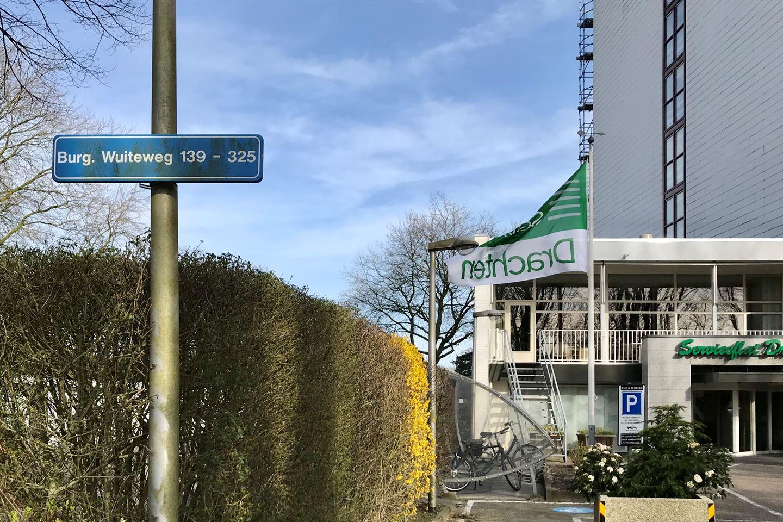 Bekijk foto 2 van Burgemeester Wuiteweg 131
