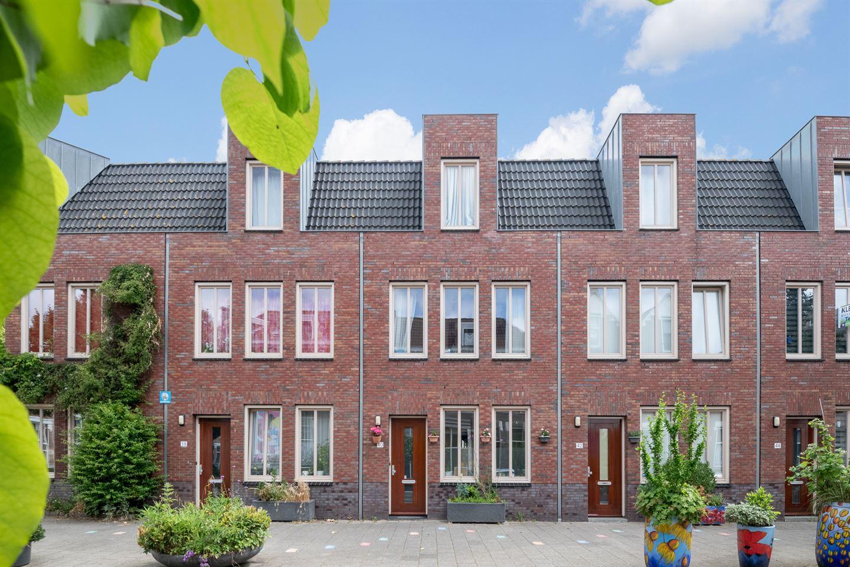Bekijk foto 2 van Albregt-Engelmanstraat 40