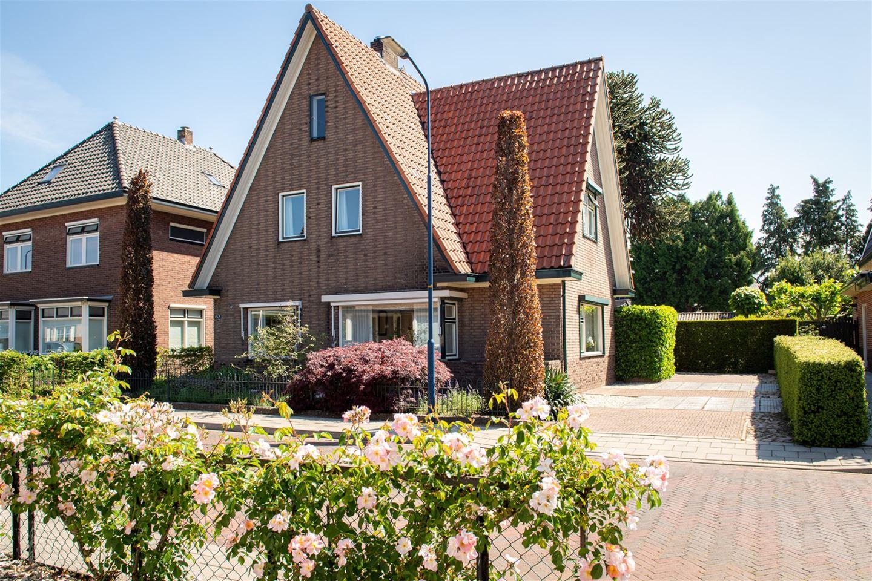 Bekijk foto 1 van Prinses Beatrixstraat 11