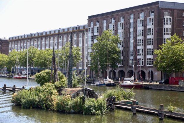 Bekijk foto 1 van Zeeburgerkade 42