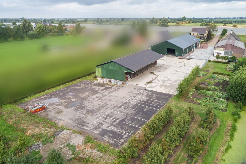 View photo 2 of Lekdijk 36 36a