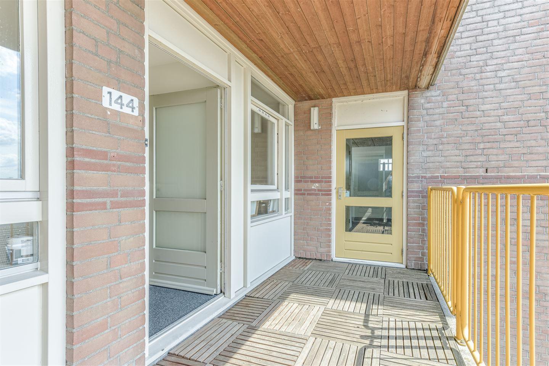 Bekijk foto 4 van Stationsweg 144