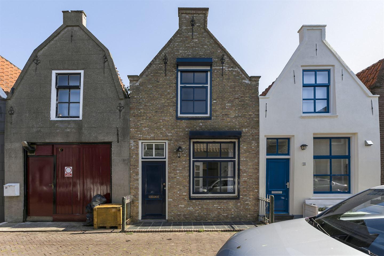 View photo 1 of Schuttershofstraat 18