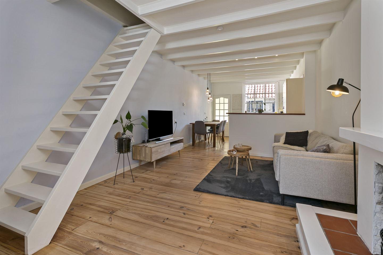 View photo 3 of Schuttershofstraat 18