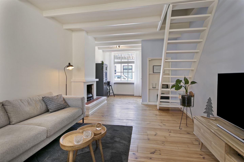 View photo 4 of Schuttershofstraat 18