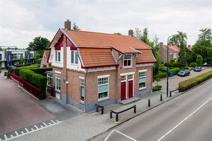 Stationsweg 13