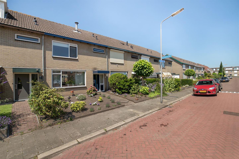 Bekijk foto 2 van Jasmijnstraat 21