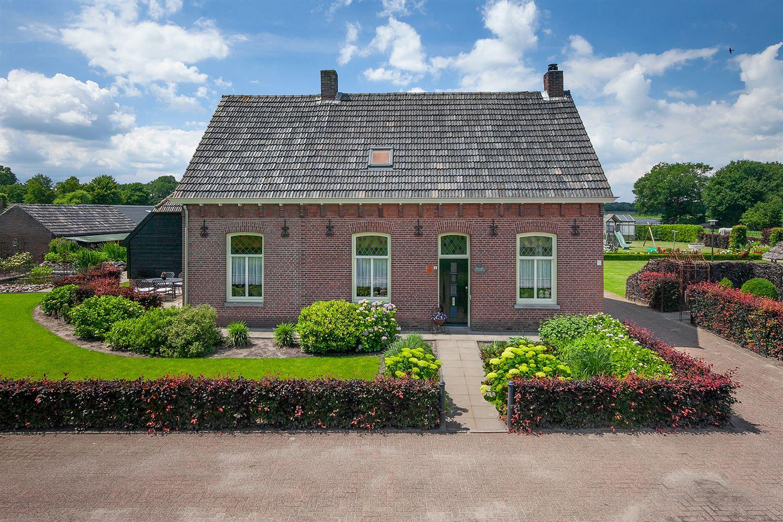 Bekijk foto 2 van Oosterwijksestraat 1