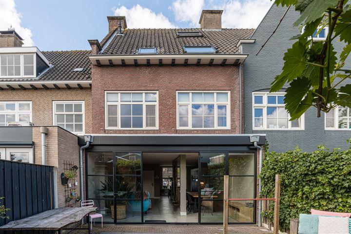 Van Bergenplein 7