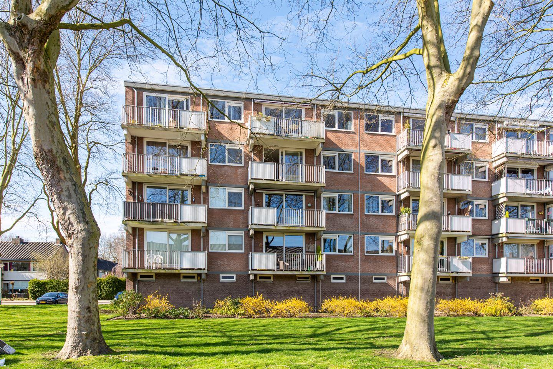 Bekijk foto 2 van Zorgvlietstraat 196