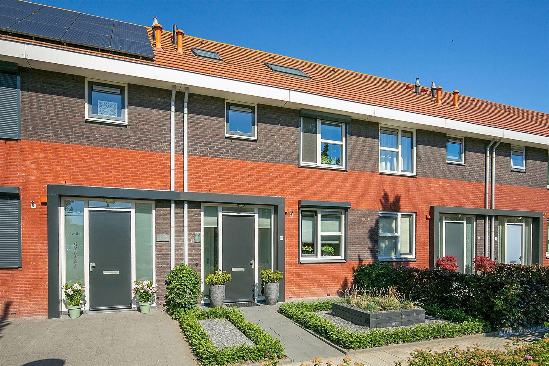 Bekijk foto 1 van Burg. Mr. H. Popstraat 22
